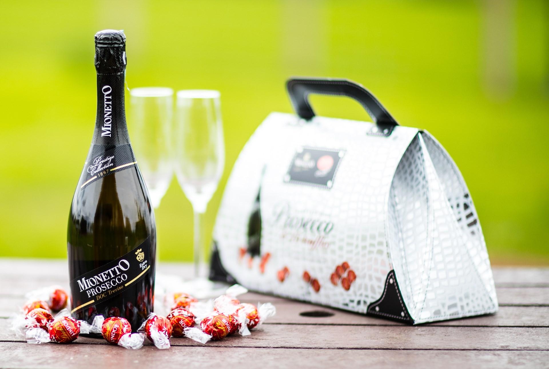 Wingbury Farm Glamping - Prosecco Handbag